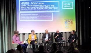 Lesben-, Schwulen- und Transfeindlichkeit: Podiumsdiskussion