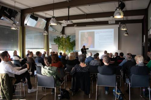 05 queerAltern Caring-Community-Workshop-2019 Gastreferentin-Dr-Dana-Mahr ©S.Meier gestaltungskiosk.ch
