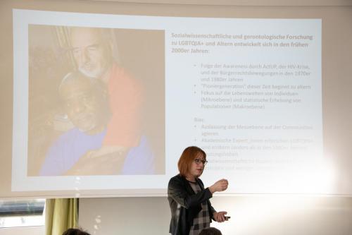 06 queerAltern Caring-Community-Workshop-2019 Gastreferentin-Dr-Dana-Mahr ©S.Meier gestaltungskiosk.ch