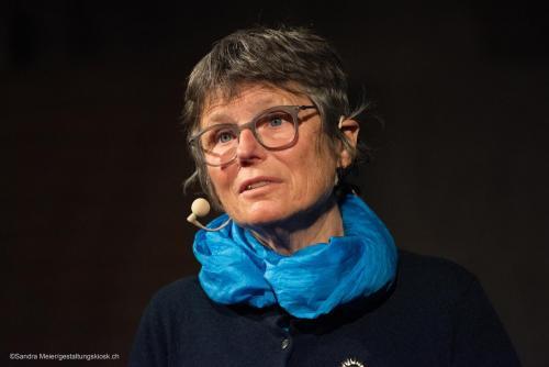 12 queerAltern-Kosmos-PinkApple-Kosmopolitics Bosshare Barbara©S.Meier gestaltungskiosk.ch-1