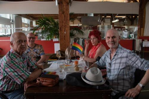 2021 queerAltern Pride-Apero 06 ©Sandra-Meier-gestaltungskiosk.ch