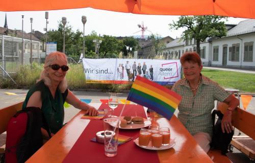 2021 queerAltern Pride-Apero 10 ©Sandra-Meier-gestaltungskiosk.ch